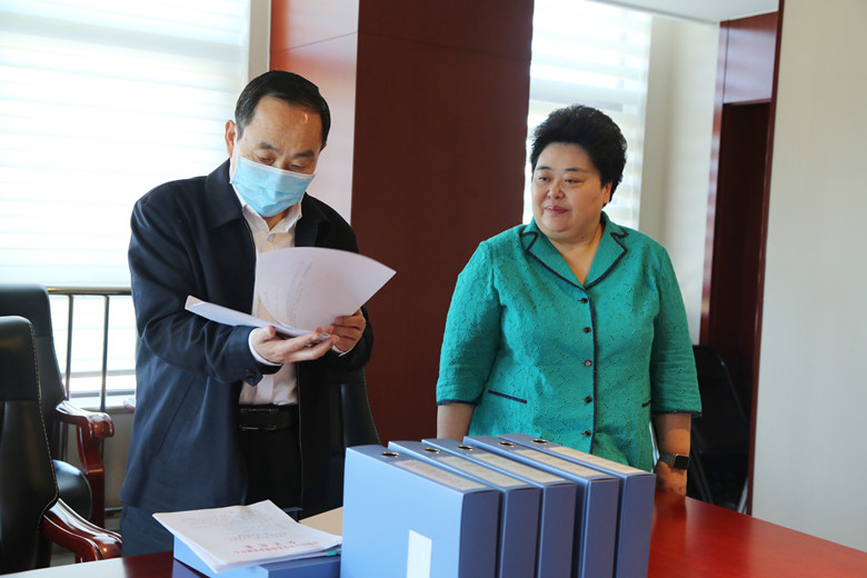 中国红十字会党组成员到事业发展中心调研党建工作